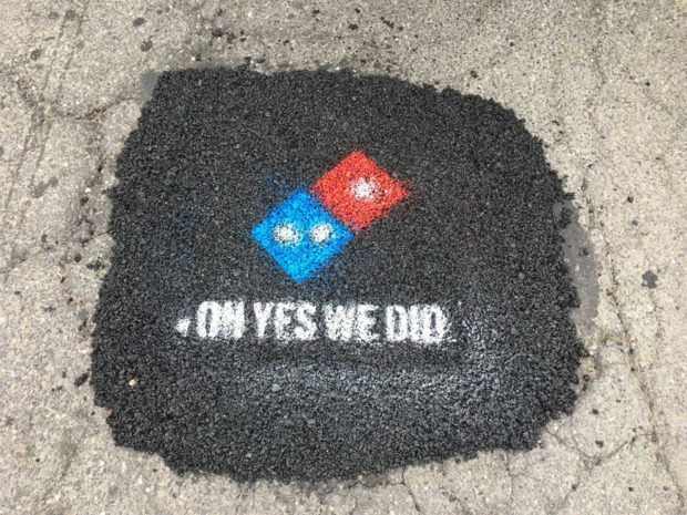 Domino Turut Perbaiki Jalan Demi Pengiriman Pizza