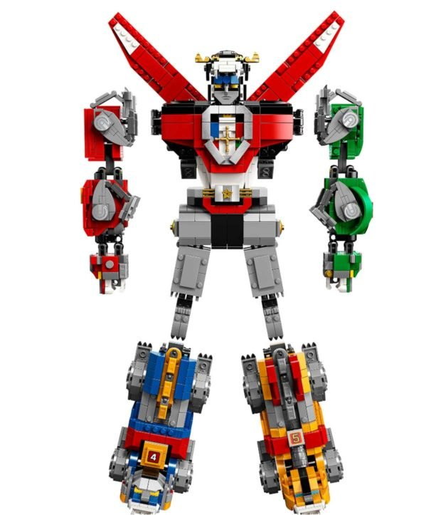 LEGO Voltron Defends the Blocky Universe