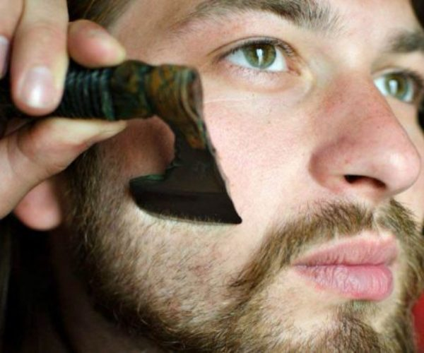This Axe Razor Gives You The Manliest Shave Ever