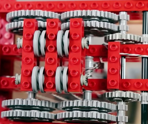 This LEGO Hoist Can Lift Almost 500 Pounds