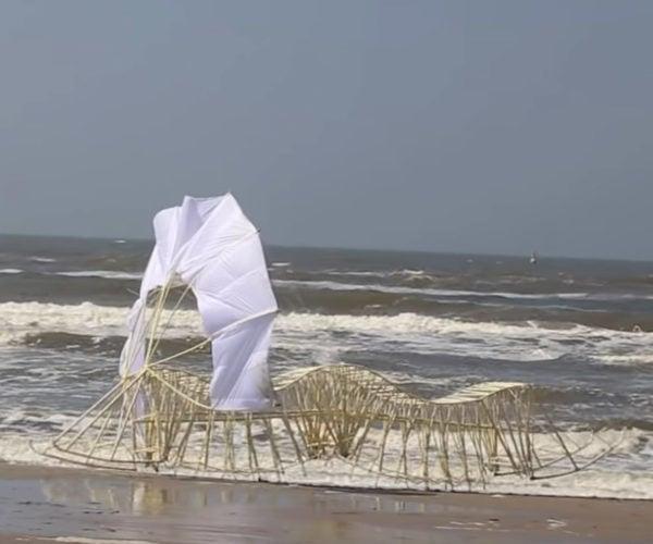Theo Jansen's New Strandbeest Marches onto the Beach