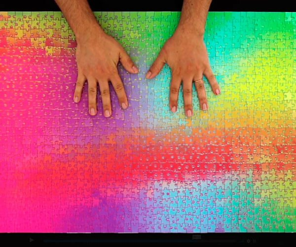 This 1000 Piece Color-changing Jigsaw Puzzle Will Drive You Crazy