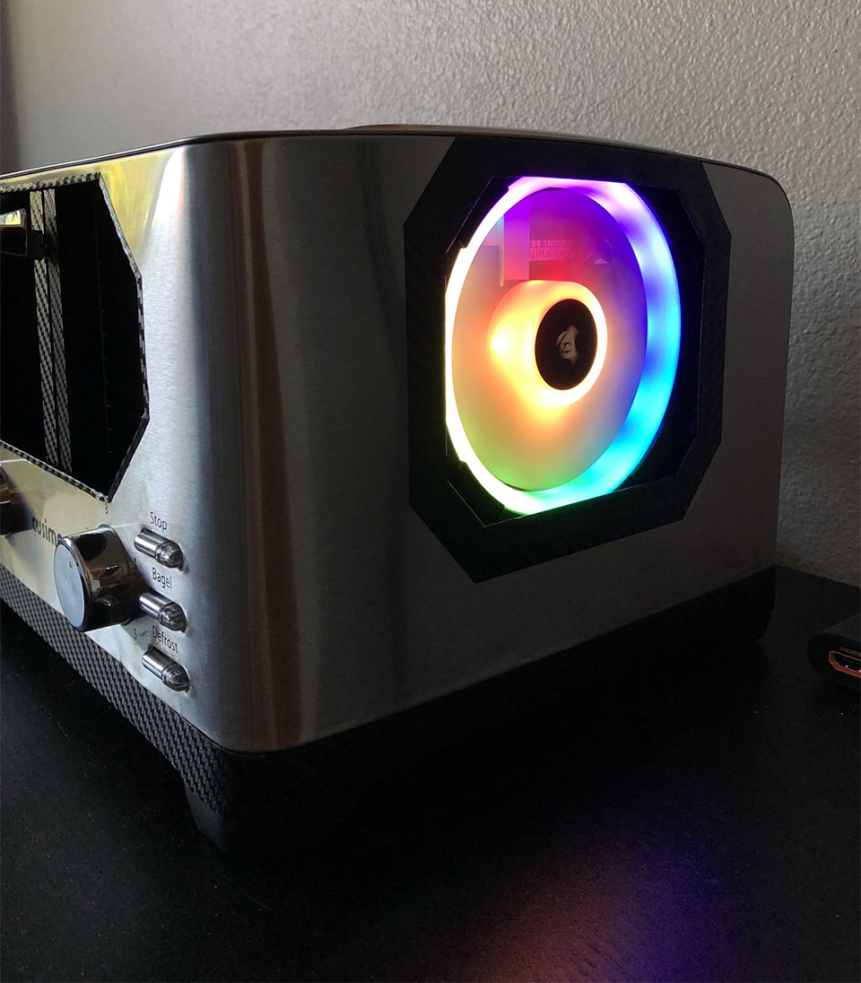 Guy Builds a Gaming PC Inside of a Toaster