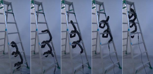 Robot Bentuk Ular Ini Mampu Panjat Tangga