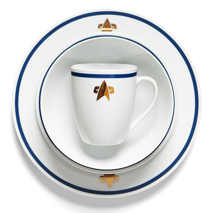 Star Trek Starfleet Dish Set: Food... The Final Frontier - Technabob