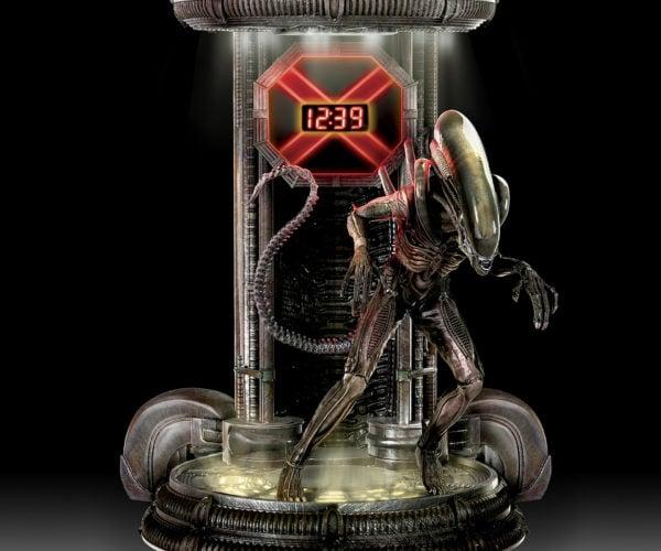 Alien Xenomorph Clock: Time to Die