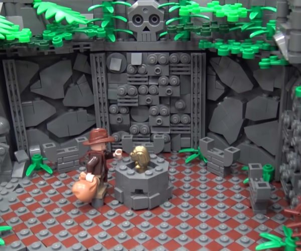 "An Incredible LEGO Recreation of the Opening of ""Raiders of the Lost Ark"""