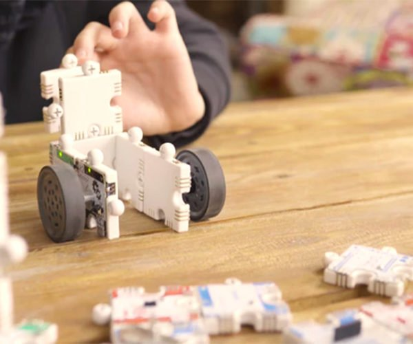 ActivePuzzle Turns Puzzle Pieces into Robots
