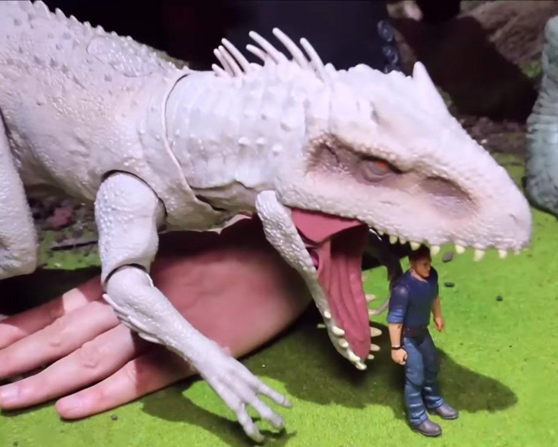 Destroy 'N Devour Indominus Rex Will Eat Your Action Figures