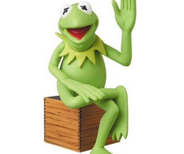 Kermit and Miss Piggy Desktop Figures Makes it Easy to Take Your Green