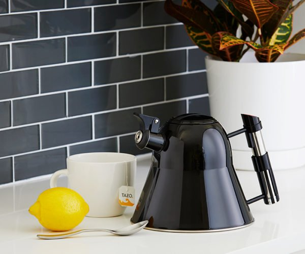Darth Vader Helmet Tea Kettle: I'm a Little Teapot Tall and Evil