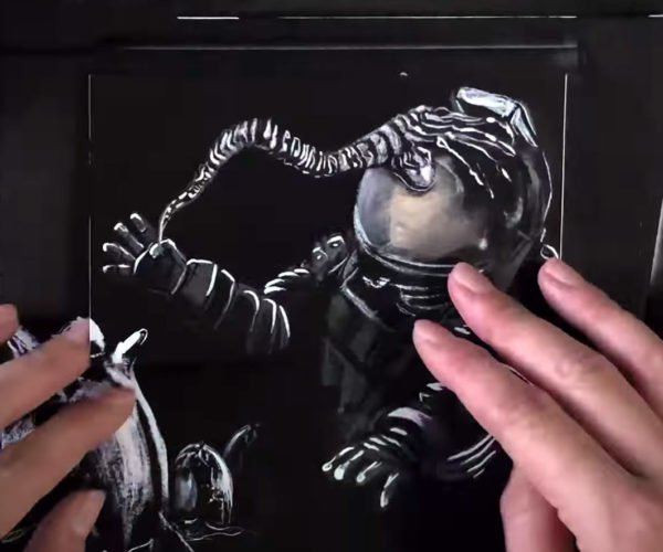 This Alien Stop-Motion Flip Book Is a Terrifying Work of Art