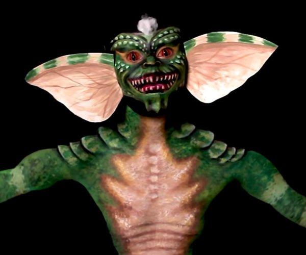 Woman Transforms Herself into a Gremlin with Body Paints