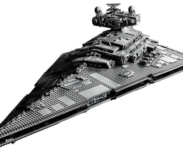 LEGO UCS Imperial Star Destroyer Has Nearly 5,000 Pieces