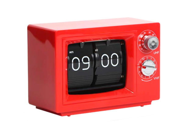 This Retro Flip Clock Looks Like an Old TV Set
