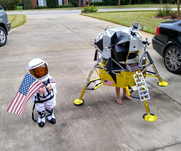 Astronaut and Lunar Lander Kids' Costumes Win Halloween