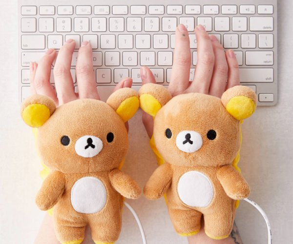 USB-powered Bears Keep Your Hands Warm While Typing