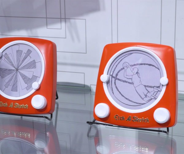 Etch-a-Sketch Revolution Can Actually Draw Circles