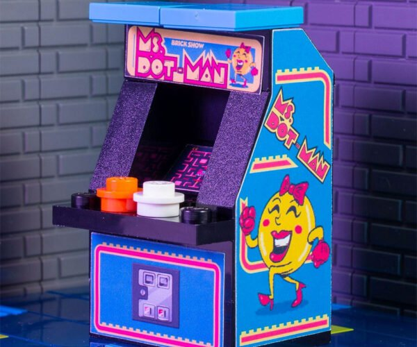 Mini LEGO Arcade Machines: Tiny Things Are Awesome