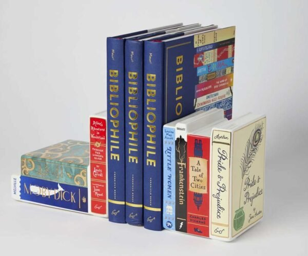 These Ceramic Bookends Look Like More Books