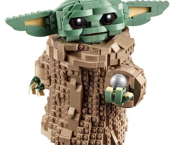 LEGO The Child Brings Us a Brick-built Baby Yoda