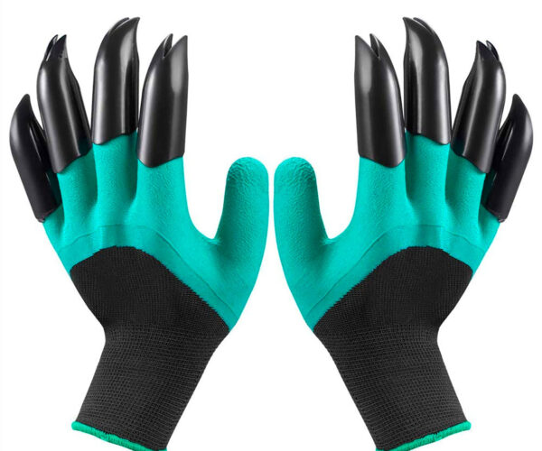 Garden Gloves with Claws Make You Look Like a Monster