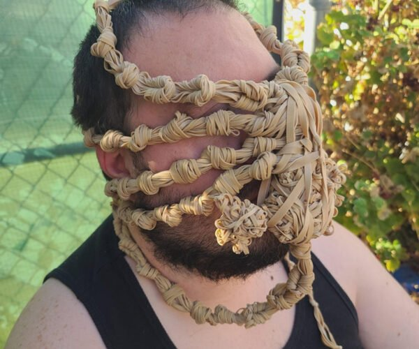 How to Make Your Own Wearable Alien Facehugger Entirely Out of Rubber Bands