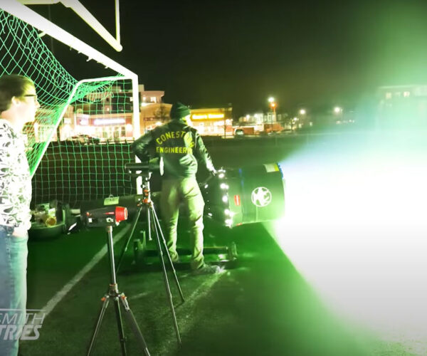"Team Builds 1.4 Million Lumen ""World's Brightest"" Flashlight"