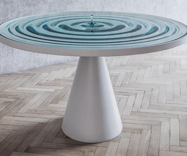 The Rippling Table: A Single Moment Frozen in Time
