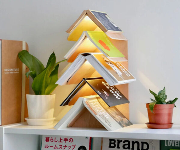 The Wisdom Tree Bookshelf Keeps Your Place in up to Five Books