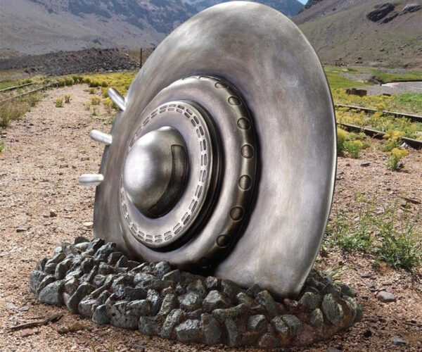 Crashed UFO Garden Statue: Take Me to Your Weeder