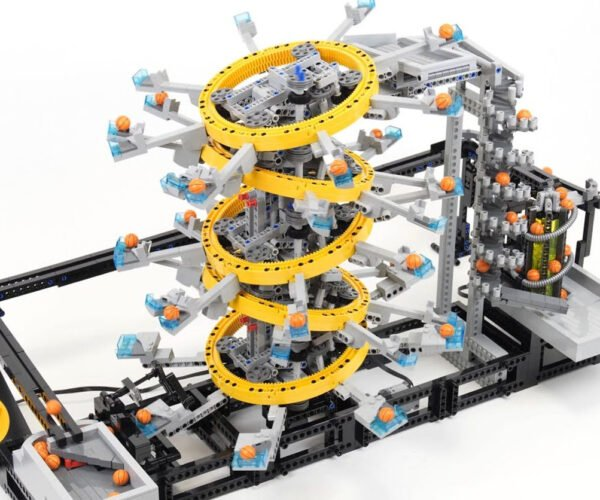 The Five Tilted Rings LEGO GBC Looks Like a Fun Amusement Park Ride